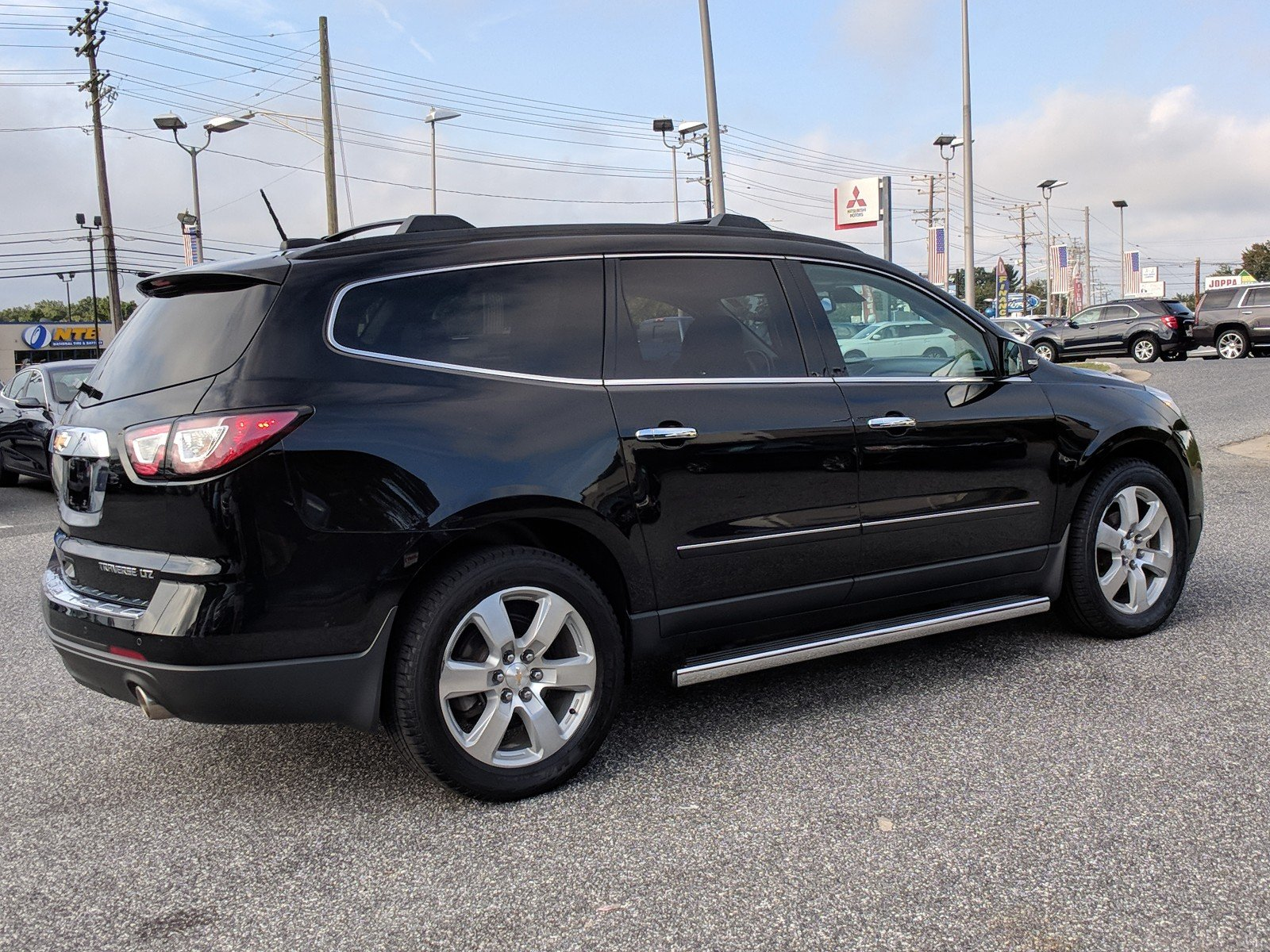 Pre-Owned 2016 Chevrolet Traverse LTZ